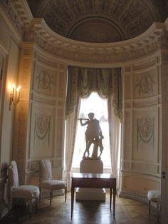 Grand Palais - Intérieur - Pavlovsk - Dressing de Paul Ier - La forme de la pièce est de Charles Cameron et la décoration de Vincenzo Brenna achevée en 1790.