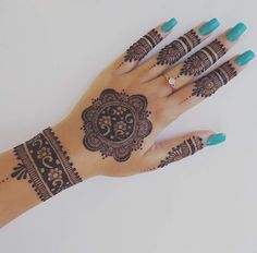 Easy Henna Design for Your Hands – Henna Tattoos Mehendi Mehndi Design Ideas and Tips Henna Hand Designs, Eid Mehndi Designs, Mehndi Designs Finger, Mehndi Designs For Girls, Mehndi Designs For Fingers, Mehndi Patterns, Mehndi Design Photos, Wedding Mehndi Designs, Beautiful Mehndi Design
