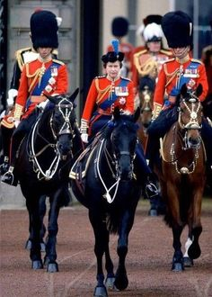 1980 JUNE Queen Elizabeth II Prince Philip and Prince Charles take part in the Trooping the Colour procession at Buckingham Palace. Royal Queen, Queen Mary, Princess Elizabeth, Queen Elizabeth Ii, Princess Diana, Prince Phillip, Prince Charles, Lady Diana, Die Queen