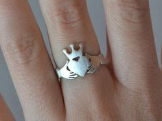 unisex-claddagh-ring-sterling-silver-925-adjustable-band-heart-crown-ring-best-friend-gift-idea-loyalty-symbol-jewelry-promise-rings.jpg (642×479)