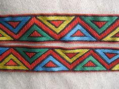 Zig Zag triangles jacquard woven ribbon.