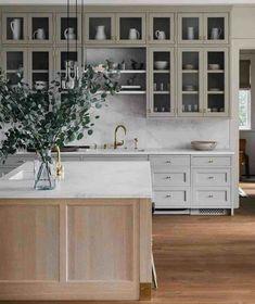 Kitchen Interior, New Kitchen, Kitchen Dining, Eclectic Kitchen, Green Kitchen, Modern French Kitchen, French Kitchen Decor, Walnut Kitchen, Two Tone Kitchen