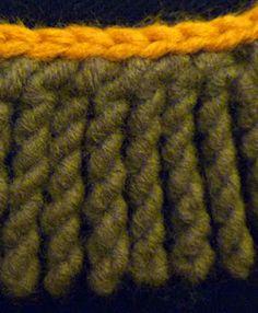 Twisted Crochet Fringe Tutorial by Stitch Story Crochet Twist, Crochet Fringe, Crochet Poncho, Love Crochet, Crochet For Kids, Beautiful Crochet, Easy Crochet, Crochet Pillow, Baby Blanket Crochet