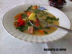 Ciorba acra de afumatura - Bucataria cu noroc Thai Red Curry, Ethnic Recipes, Food, Essen, Meals, Yemek, Eten