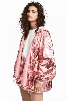 Lightly padded nylon jacket with a shimmering metallic finish. Lined drawstring hood, zip down the front, side pockets, long balloon sleeves with elasticate Teen Fashion, Fashion Outfits, Fashion Trends, Petite Fashion, Curvy Fashion, Fashion Bloggers, Fall Fashion, Holographic Fashion, Look Festival