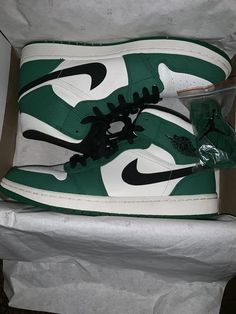 New and Used Clothing & shoes for Sale in Long Beach, CA - OfferUp Jordan Shoes Girls, Air Jordan Shoes, Girls Shoes, Zapatillas Nike Cortez, Sneakers Fashion, Fashion Shoes, Sneakers Style, Style Fashion, Basket Style