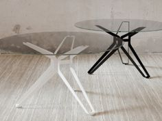 Dining table: 3-Pod Round