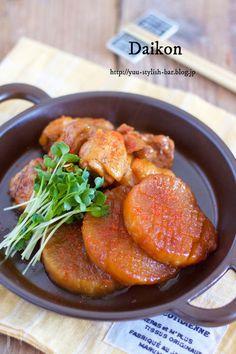 大根を使ったホッコリ煮物。 今回は、鶏肉と合わせて、甘辛く煮てみました。 これは、もう危険です!!ご飯もお酒もすすむ!すすむ! 大根もトロントロンで味しみ抜群です♪