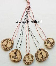 ~Medaille van hout~