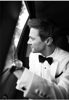 Jeremy Renner on his way to the Golden Globes - 2017