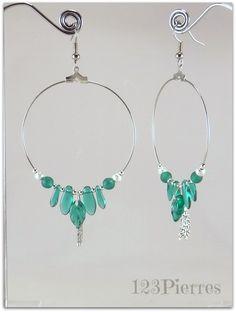 Grandes créoles verre de bohème vert émeraude, feuilles et dagues - Bijoux 123Pierres : Boucles d'oreille par jade-et-cristal-de-marie