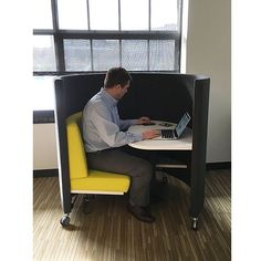 Taking a break to check email and catch up at HGA in Minneapolis as The POD Tour 2015 extends into the winter months. Stay tuned as we keep the tour going into 2016! http://www.agati.com/pod-workstation/