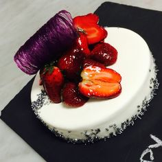 Strawberry Cheesecake | Nicolas Descriaux pastry Chef in Bangkok  Niko's Sweets - Food Reporter