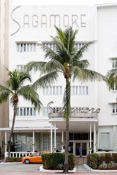 sagamore hotel in miami's art deco district photo by Leslie Santarina
