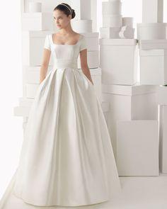 CARMEN - Silk mikado dress and train with flower detail, in a na... - ROSA CLARA