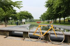 #Veloretti #VelorettiAmsterdam #Amstergram #Monday #Citybike #Retroracebike #bicycle #designbike #perfectday #dreambike #retro #design #colour #yellow #newmodels #new