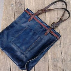 Cibado Leather Bags - The ECHO bag - Entirely hand sewn with vintage tack detail and handles.