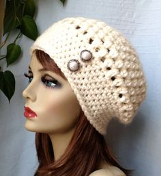Crochet Slouchy Beret Womens Hat Off White por JadeExpressions