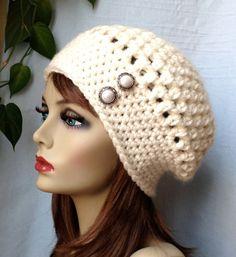 Crochet Slouchy Beret Womens Hat Off White por JadeExpressions