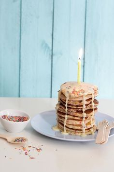 { a swoonful of sugar } : Funfetti, Cake Batter, Tres Leches Pancakes Cake Batter Pancakes, Pancakes And Waffles, Birthday Pancakes, Birthday Breakfast, Crepes, My Recipes, Favorite Recipes, Delicious Desserts, Yummy Food