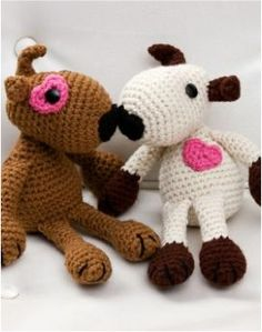 Do you crochet? Or do you know someone who does?? Grab this FREE Puppy Love Crochet Pattern from Red Heart Yarn! {aren't they too cute?} See Also: More Crochet Projects and Patterns!