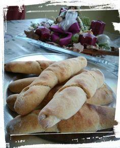 Kváskové rožky (fotorecept) Bread, Chicken, Food, Basket, Cooking, Brot, Essen, Baking, Meals