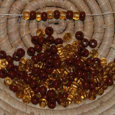 Lot 150 perles de rocaille (Cal.5 / 4,5mm) marron opaque et topaze transparent