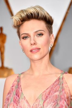 """The inspiration for ScarJo's hair was """"rockabilly chic"""" according to hairstylist and Suave pro celebrity stylist Jenny Cho."""