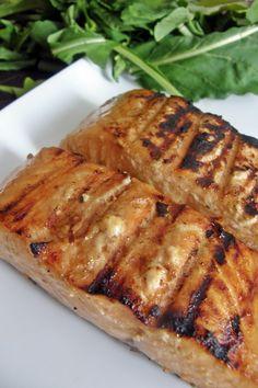 Marinada con miel, jengibre fresco, jugo de naranja y salsa de soya que queda perfecta en pescados y mariscos.