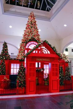 mall christmas displays - Google Search