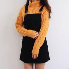 15 inspiring fashionable korean outfits 5 - fashion i like Teen Fashion Outfits, Mode Outfits, Cute Fashion, Look Fashion, Fall Outfits, Night Outfits, Fashion Skirts, Black Outfits, Kawaii Fashion