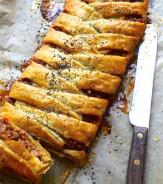12 Flaky, crispy and buttery pie recipes for when soup just won't do Vegetarian Tart, Vegetarian Recipes, Pie Recipes, Chicken Recipes, Mexican Pastries, Best Pie, Beef Bourguignon, Stuffed Sweet Peppers, Creamy Chicken