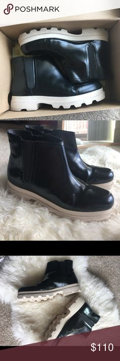 Camper boots in black US7 EU37 Classic boots of camper in calf leather. Rugged and extra light outsole. Very gentle worn, no scratches or rips. Only had a slightly leather creasing. Camper Shoes Ankle Boots & Booties