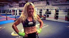 #venum #top #evasfightstore danke Nataliya für das tolle Foto #kampfsport #kickboxen #thaiboxen #boxen #mma #abs #bauchmuskeln #training #crossfit  #fit #fitness #fightgirl #frauen #blond #boxring #bandagen #tank  #fleißig