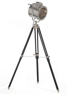 Stehleuchte Douglas Vernickelt Retro Design 9481. Buy now at https://www.moebel-wohnbar.de/stehleuchte-douglas-studiolampe-vernickelt-im-retro-design-9481.html