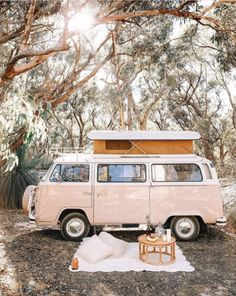 9 Best Vintage Camper TrailersYou can find Vw camper vans and more on our Best Vintage Camper Trailers Vintage Campers Trailers, Airstream Trailers, Vintage Caravans, Travel Trailers, Volkswagen Vintage, Vw T, Vw Camping, Camping Ideas, Camping Vintage