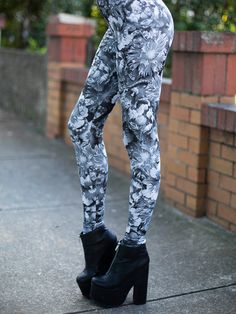 Snakes In A Garden HWMF Leggings (WW 24HR $75AUD / US – LIMITED $60USD) by Black Milk Clothing