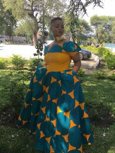 African Wear Dresses, African Fashion Ankara, African Print Fashion, Africa Fashion, African Attire, South African Traditional Dresses, African Print Dress Designs, Shweshwe Dresses, Africa Dress