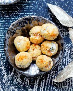 Choux fourrés au roquefort et aux noix pour 8 personnes - Recettes - Elle
