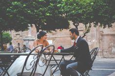 Una pequeña parada en la Plaza de la Cruz de Murcia en la boda de David & Bea.El resto del reportaje en www.enfok2.es