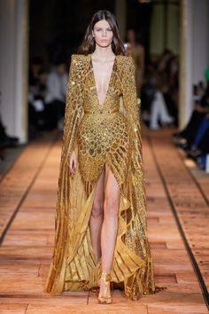Zuhair Murad Spring 2020 Couture Fashion Show - Vogue Elie Saab Couture, Dior Haute Couture, Givenchy Couture, Haute Couture Dresses, Abaya Mode, Zuhair Murad Dresses, Spring Couture, Couture Week, Moda Fashion