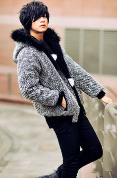 winter look- guys can stay warm and still look great!