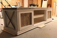 Lindevegen - DIY TV bench <3