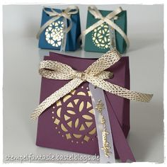 Mini gift boxes with golden medallions - stmpfantasie Eastern Palace Stampin' Up! Eastern Beauty, Eastern Medallions Thinlits: size S (width) and the height Jahreskatalog Mini Gift Bags, Small Gift Bags, Daydream Medallions, Stampin Up Anleitung, Eastern Palace, Paper Craft Making, Stampin Up Catalog, Paper Ornaments, Light Crafts