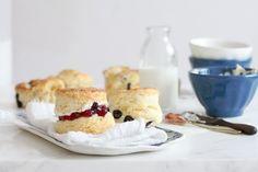 Thưởng thức tiệc trà Anh đúng điệu với bánh SCONES lừng danh - Kenh14.vn