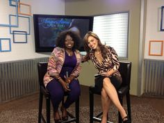 Jessica and Angie Stone hanging out on set!