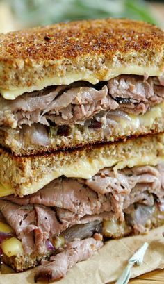 roast beef smoked gouda grilled cheese is the perfect sandwich to go with a. - Lunch - Soups, Salads, and Sandwiches -This roast beef smoked gouda grilled cheese is the perfect sandwich to go with a. - Lunch - Soups, Salads, and Sandwiches - Panini Recipes, Grilled Cheese Recipes, Beef Recipes, Cooking Recipes, Roast Beef Grilled Cheese, Brie Grilled Cheeses, Grilled Cheese Pizza, Roast Beef Panini, Gouda Cheese Recipes