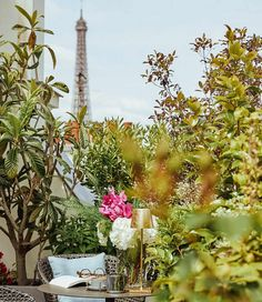 Table Decorations, Furniture, Home Decor, Tour Eiffel, Hotels, Towers, Decoration Home, Room Decor, Home Furnishings