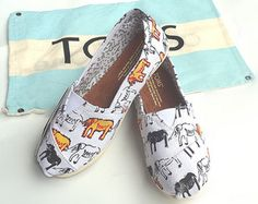 Toms Shoes OFF!> new sole for improved durability flexibility and protection keeping little feet happy and secure as they play. Orange Shoes, Blue Shoes, Tom Shoes, Cheap Toms Shoes, Toms Shoes Outlet, Graffiti Shoes, Girls Toms, Lace Espadrilles, Striped Shoes