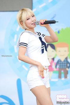 South Korean Girls, Korean Girl Groups, Cho A, Celebrity Makeup, Female Poses, Girl Bands, Asian Style, Sports Women, Kpop Girls